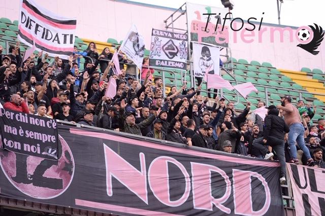 Quasi 500 tifosi rosanero a Padova…..
