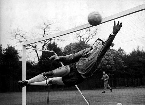 L'esistenzialismo e il calcio, una lunga storia – Albert Camus