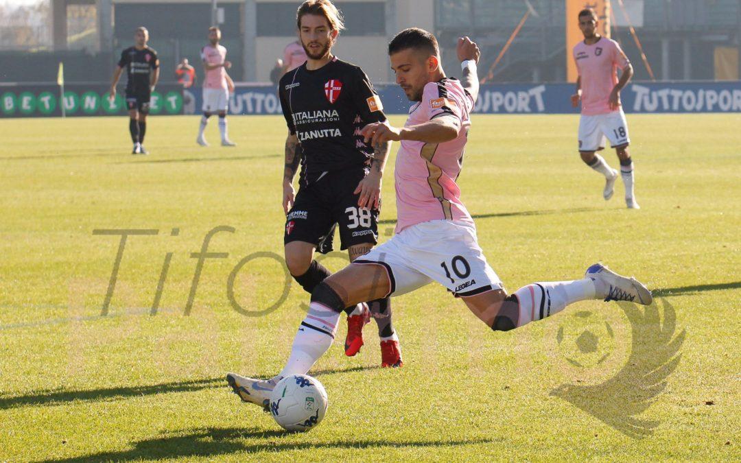 Grande successo in rimonta per il Palermo che torna da solo in vetta alla classifica