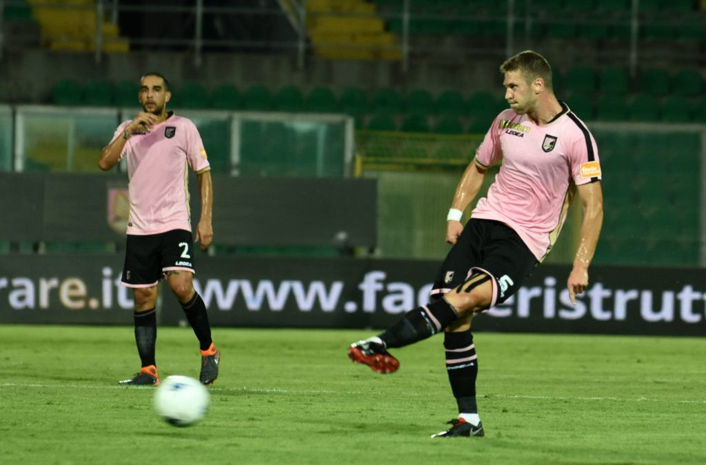 Palermo, la difesa perde ancora pezzi. Dov'è il sostituto di Struna?