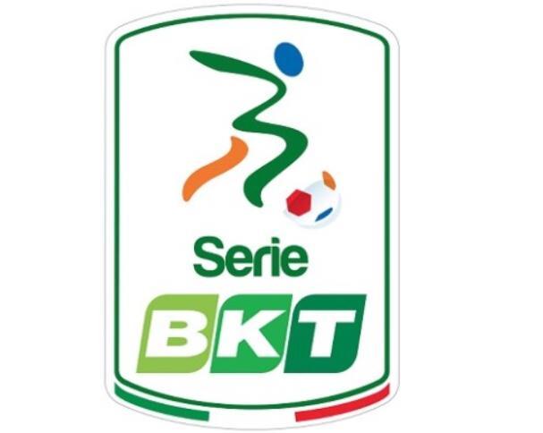 Triplice fischio al Bentegodi: il Verona vince e si avvicina ai rosanero.