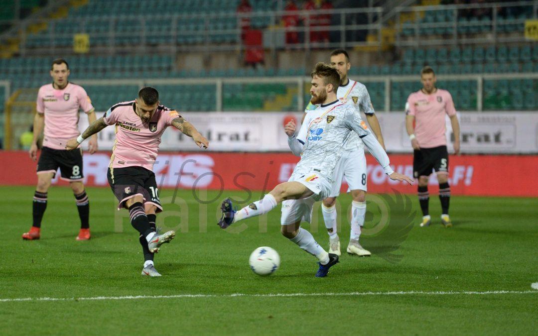 Voglia di vincere: il Palermo batte il Lecce 2 a 1