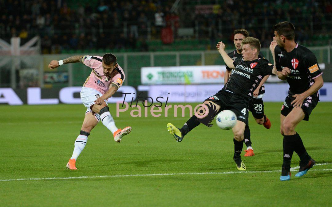 Un Palermo in confusione totale pareggia la partita più importante