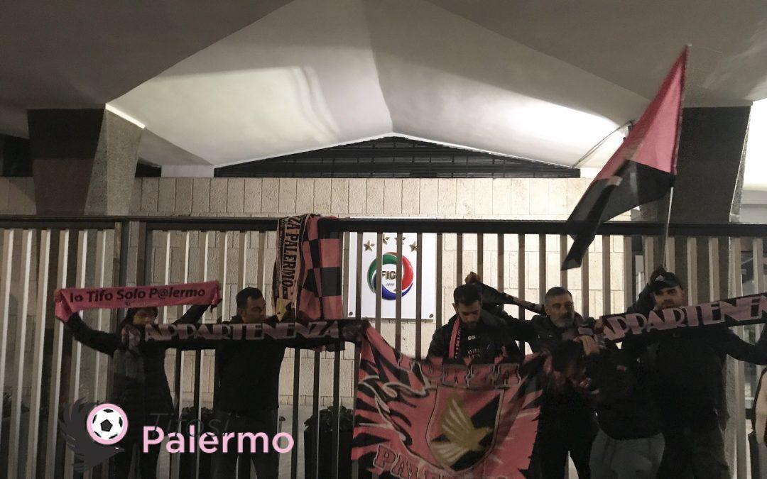 LIVE da Roma: i tifosi rosanero si fanno sentire davanti la FIGC [FOTO]