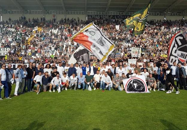 Bellusci, accoglienza trionfale ad Ascoli. [VIDEO]