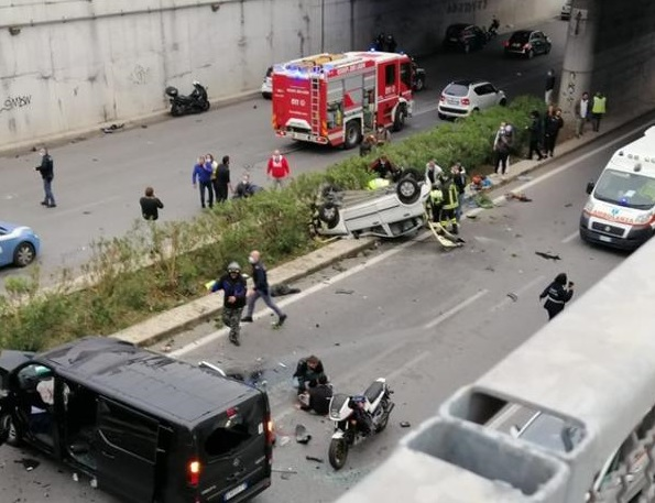Palermo incidente viale regione